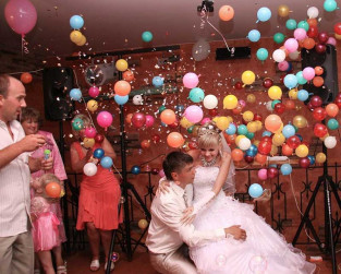 Ball-surprise-for-wedding-5