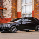 rent_mercedes_e_212_AMG_black_1-5