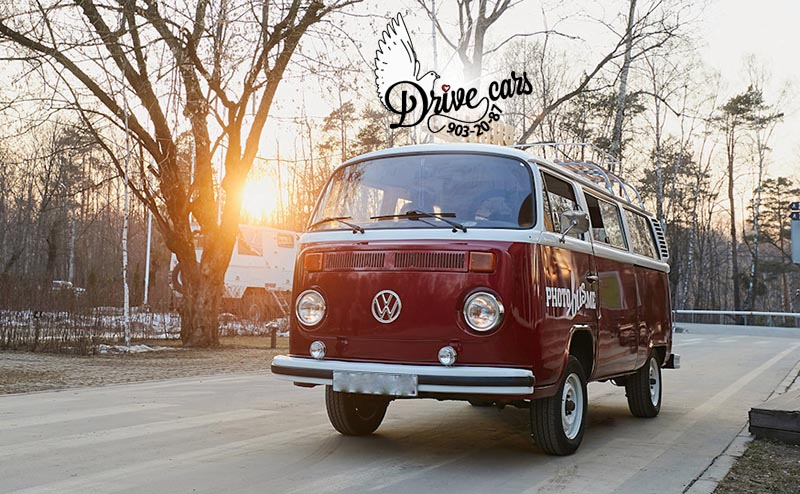 rent retro auto VW T2 red v spb 12