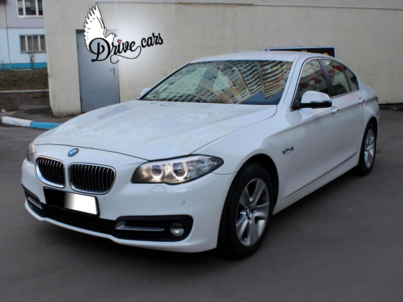 rent bmw 5 white 01 2